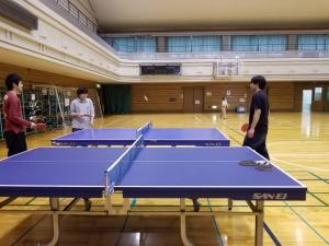 舞洲スポーツセンターで卓球